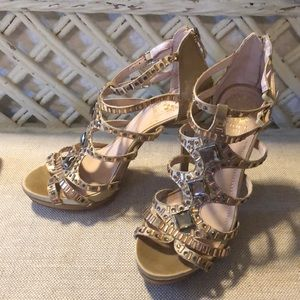 Vince Camuto gold heels size 6.5